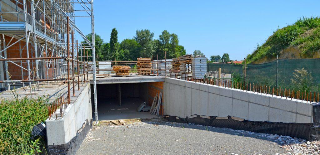 Garages al piano interrato - Luglio 2019